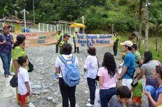 Policía realizó campaña en los termales de Santa Rosa de Cabal sobre el valor de la Familia.