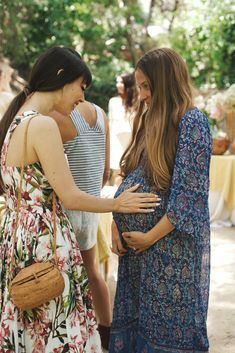 Lovely Ladies at an LA Garden Party, more on http://eye-swoon.com/a-magical-garden-party/
