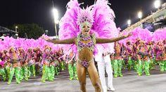 O desfile da Mangueira - Galeria de fotos - VEJA.com__http://veja.abril.com.br/multimidia/galeria-fotos/o-desfile-da-mangueira-2014