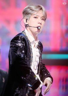 #BAEKHYUN #EXO MBC Gayo Daejejeon 171231