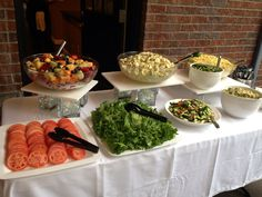 BBQ Buffet Outdoor Buffet, Rustic Wedding Foods, I Do Bbq, Catering Display, Personal Chef, Housewarming Party, Looks Yummy, Grad Parties, Wedding Decorations