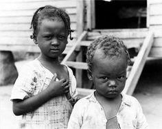 Walker Evans. Children, 1936.
