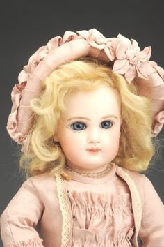 September 21 Doll Auction: Lot # 533 | Exquisite Jumeau Bébé Doll #MorphyAuctions Teddy Bear Toys, Teddy Bears, Antique Dolls, Vintage Dolls, September 21, Doll Outfits, Bisque Doll, Child Doll, Collector Dolls