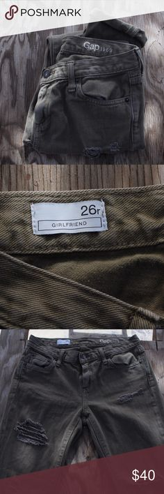 GAP Girlfriend Jeans (Green) 100% Cotton, Size 26 regular jeans with the perfect distress to the current trend. They also cuff at a perfect length. The green jeans are a necessary staple in every girl's wardrobe. GAP Jeans Skinny