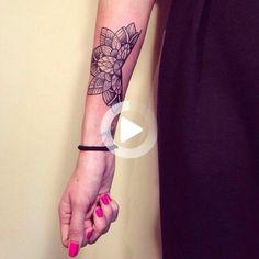 Mandala tattoo by Caroline Karénine ( Paris) - woman wrist tattoo #wristtattoos Mandala Wrist Tattoo, Wrist Tattoos, New Tattoos, Tatoos, Lotus Mandala, Gorgeous Tattoos, Pretty Tattoos, Awesome Tattoos, Ink Link