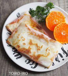 忙しい日の朝食や、おやつ、おつまみにぴったりの、春巻きの皮で作る簡単なブリトーです。中に入れる具材は何でもいいのですが、一番簡単なハムチーズを紹介します。具材を包んでフライパンでこんがり焼くだけなので、誰でも失敗なく美味しくできます!