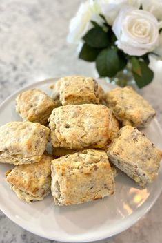 Homemade Biscuits Recipe, Biscuit Recipe, Flaky Biscuits, White Cheddar Cheese, Banana Bread, Sausage, Middle, Cream, Baking