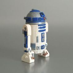 Polymer clay R2-D2 sculpture by June Gilbank (www.planetjune.com)