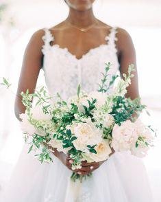 Although peonies were out of season, Zephyr Floral gave Lauren a similar feeling with blooming garden roses in her ivory and blush pink bouquet. White Wedding Bouquets, Floral Wedding, Wedding Colors, Wedding Dresses, Bridal Bouquets, Wedding Groom, Wedding Couples, Pink Bouquet, Martha Stewart Weddings