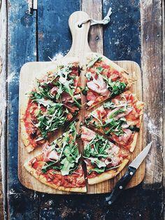 Brie & Prosciutto pizza.