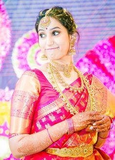 Very very pretty Indian Wedding Jewelry, Indian Bridal, Bridal Jewelry, Indian Weddings, Indian Sarees, Silk Sarees, Wedding Saree Collection, Tamil Brides, Elegant Saree