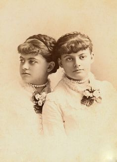 +~+~ Antique Photograph ~+~+  Twins from Syracuse, New York.