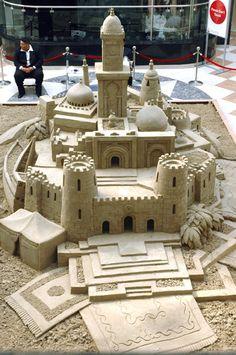 Sand Castles and Snow Sculptures Chuck Norris, Snow Sculptures, Sculpture Art, Ice Art, Snow Art, Grain Of Sand, Land Art, Beach Art, Beach Play