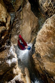 Swildons Hole – Darkness Below