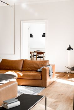 Gorgeous Berlin living room with modern leather sofa