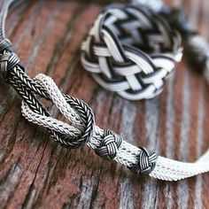 Tesbihçi Nihal Efendi (@nihalina61) | Instagram photos and videos Do It Yourself Jewelry, Viking Knit, Wire Crafts, Bracelet Tutorial, Metal Clay, Celtic Knot, Knots, Weaving, Handmade Jewelry