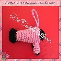 Occorrente:  cotone colore nero  cotone colore a piacere (io ho scelto rosa)  imbottitura   Legenda:  AM= Anello Magico  MB= maglia ...