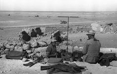 Soldaten mit Funkgerät - Afrikafeldzug