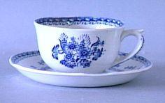 Arabia Finland, dec Suomenkukka and model AS, Richter Reinhard by gayle Tea Cup Saucer, Tea Cups, Kitchenware, Tableware, Lassi, Marimekko, Vintage Pottery, China Porcelain, Earthenware