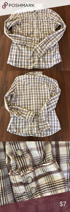 ❤Old Navy cowboy shirt❤ Really cute snap button up. Has gold accents to it, brown and white striped. Item is included in my 3 for $10 sale! All items with a ❤ in title are 3 for $10. Add 3 ❤items to bundle, offer $10 and I'll accept! Old Navy Tops Button Down Shirts
