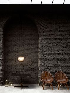 Located in an old C monastery, SIX Milan gallery, bistro & design boutique brings together some of the city's most creative minds under one roof. Bistro Design, Bistro Bar, Black Brick Wall, Painted Brick Walls, Interior And Exterior, Interior Design, Life Is Beautiful, Boutique, Gallery