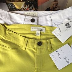 kensie + skinny + yellow Summer weight denim and a sunny summer color--you'll be good to go just about anywhere with this pair of yellow Kensie skinnys! NWT. Kensie Jeans Skinny
