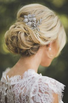 Love this updo | Photography: Michelle Scott Photography - www.michellescottphoto.com Read More: http://www.stylemepretty.com/2015/03/15/modern-bistro-wedding/