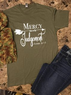 playera misericordia sobre juicio playera cristiana Sunday School Teacher, Presents For Teachers, God's Grace, Unisex, Mom Shirts, Tunics, Blessed, Swag, Cricut