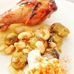 Wondering what to cook? Yogurt Chicken with Brussel Sprouts  It's simple, light, healthy and even if you are not fond of yogurt, do not worry... you won't even taste it!