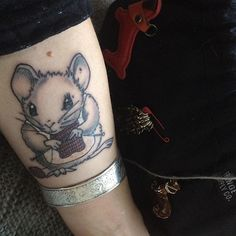 Knitting Tattoo. Knitting Mouse by Aileen Leijten