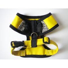 Exklusive Hundemode von Suki-Mode für kleine Hunde Accessories, Fashion, Small Dogs, Cotton Textile, Yellow, Handmade, Moda, Fashion Styles, Fashion Illustrations