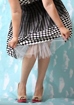 Looking to add some flirty fullness to your favorite vintage dress? Learn how with this easy to follow tutorial for sewing a petticoat. On Craftsy!