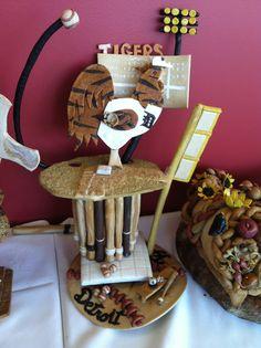 Dead dough scuplture--Tigers themed