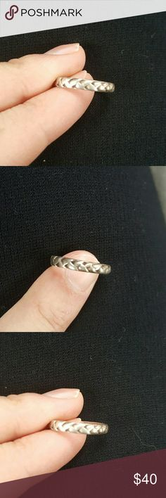 Sterling Silver Toe Ring Cute! Real silver :) I don't wear toe rings so have to find this a loving toe! Jewelry Rings