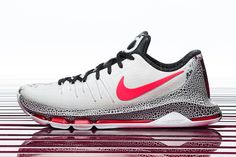 ec23fd0207b9 Nike Basketball Christmas 2015 Pack  KYRIE 2