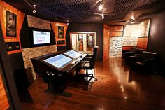 New Las Vegas All Touchscreen Recording Studio Set To Open as Top in the World Home Studio Musik, Audio Studio, Sound Studio, Recording Studio Design, Studio Gear, Recorder Music, Acoustic Panels, House Front, Modern Rustic