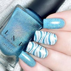 Wild Waves Nail Art ★ Looking for fun summer nails designs in trendy colors? We have simple and cool nail art ideas for you to sparkle on a beach. Great Nails, Perfect Nails, Fancy Nails, Diy Nails, Nagel Blog, Manicure E Pedicure, Blue Nails, Beauty Nails, Summer Nails