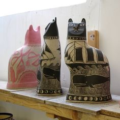 Cats drying out nicely, now the weather is warming up. #sunny #bideford #pigeonclubpottery