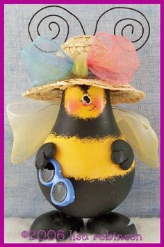 pdf ePattern sPriNg BUMBLE BEE recycled light bulb BuG gArDeN  ofg, pRiM cHiCk acrylic painting paTTern 716 POSEY. $7.50, via Etsy.