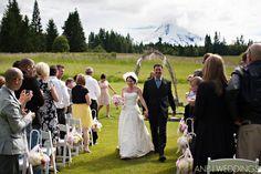 mountain wedding, oregon mountain wedding, Mt. Hood, summer wedding, ceremony, pink bridesmaid dresses, www.annenunnphotography.com