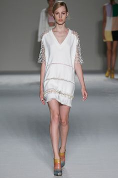 The meticulous worksmanship of the glass beads woven into the hand-fringed hems, the beading in the lace sleeves. Marco de Vincenzo Spring 2015 RTW. #MarcodeVincenzo #mfw #spring2015