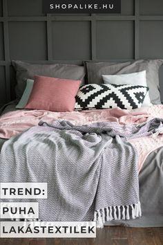 A 2020-as lakberendezési trendek között nagy hangsúlyt kapnak a puha, meleg lakástextilek. A díszpárnák, plédek, szőnyegek, függönyök és terítők egítségükkel gyorsan megváltoztathatod a szoba megjelenését, és kényelmes, meghitt hangulatot teremthetsz. A textúrák és színek keverésével ráadásul izgalmas hatást adhatsz az otthonodnak. A bársony különösen kedvelt anyagnak számít az idén, például a díszpárnákon. #lakberendezés #lakásdekor #lakástextil #lakberendezésitrend2020 Comforters, Blanket, Bed, Home, Creature Comforts, Quilts, Stream Bed, Ad Home, Blankets
