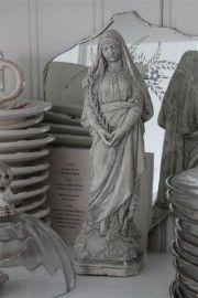 Jeanne d`Arc Living Dame met Lelie