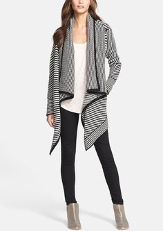Love this easy fall time look with leggings, ankle bootie and comfy cardigan.