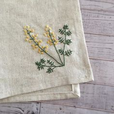 Embroidery Flowers Pattern, Cute Embroidery, Flower Patterns, Embroidery Stitches, Embroidery Designs, Hand Embroidery Projects, Herringbone Stitch, Little Stitch, Cactus Art