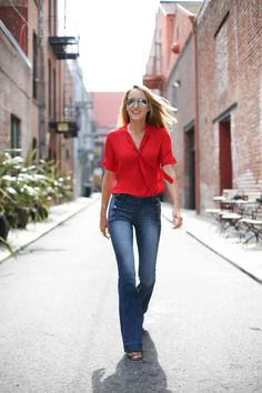 3f0d68e7e2ab8 How to Dress for a Casual Workplace