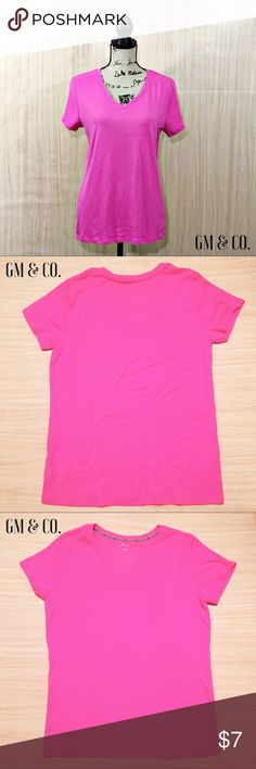 🆑SALE🆑 BCG Short Sleeved T-Shirt 🆑SALE🆑 Enjoy the casual style of the BCG™ Women's Territory Solid Short Sleeve V-neck T-shirt. Made of 60% cotton and 40% polyester with Biofinish for soft, comfortable wear, this T-shirt features short sleeves and a ribbed V-neck. Semifitted. Gently worn. Still has lots of use.  Thank you for stopping by my closet. Please let me know if you have any questions. 🌺GM BCG Tops Tees - Short Sleeve