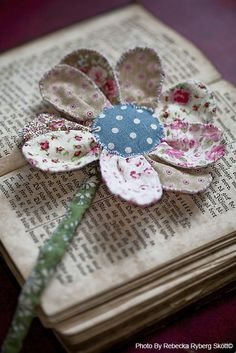Fabric daisy cute shabby chic  bookmark gift , tag or applique for your friends or childrens clothes embellishments