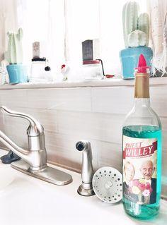 DIY: How To Make Your Own Cute Dish Soap Dispenser www.chasingbuffalostyle.com #DIY #dishsoapdispenser #lifestyleblogger #iowa #chasingbuffalostyle #crafty #giftideas #rusticcharm #winebottlecrafts
