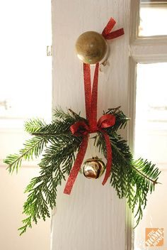 This Christmas door knob hanger adds holiday cheer to any room. We have the very simple DIY.